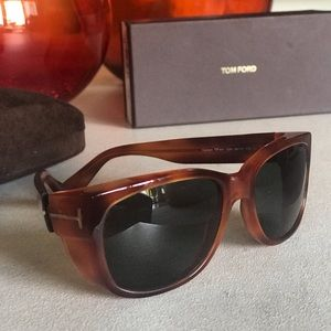 TOM FORD HAVANA SUNGLASSES♥️♥️ EXCELLENT CONDITION